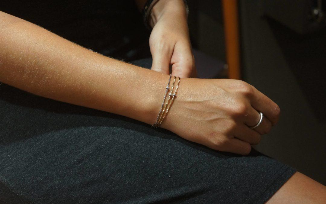 5 trucos para combinar joyas con mucho estilo.