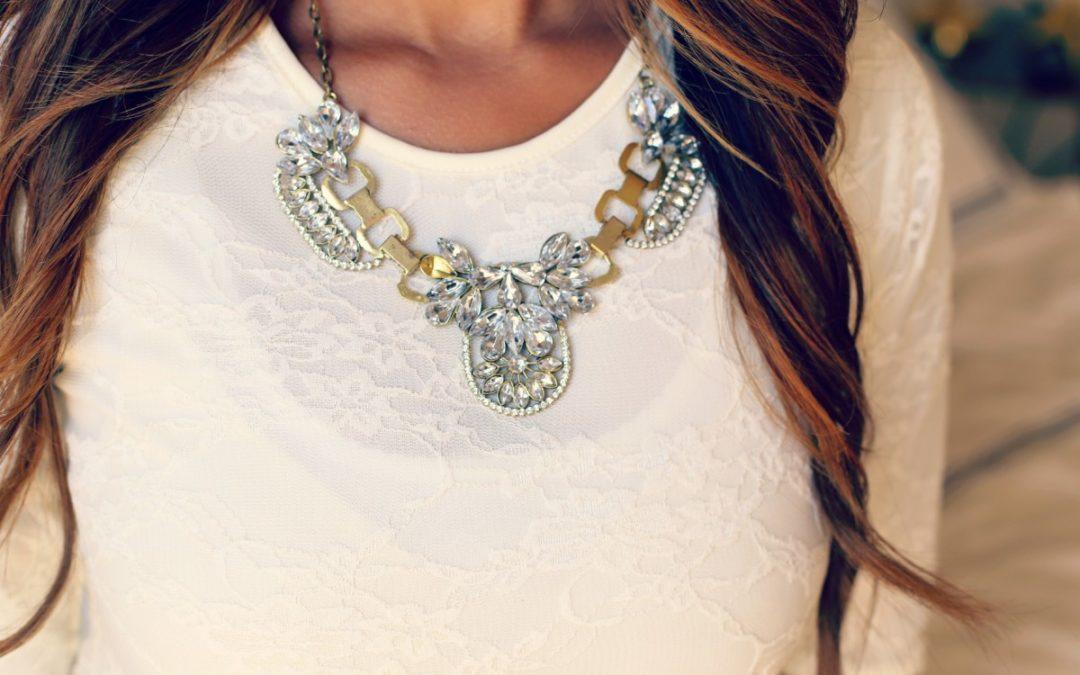 6 ideas de joyas y relojes para regalar a una mujer